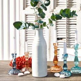 Vase Madya