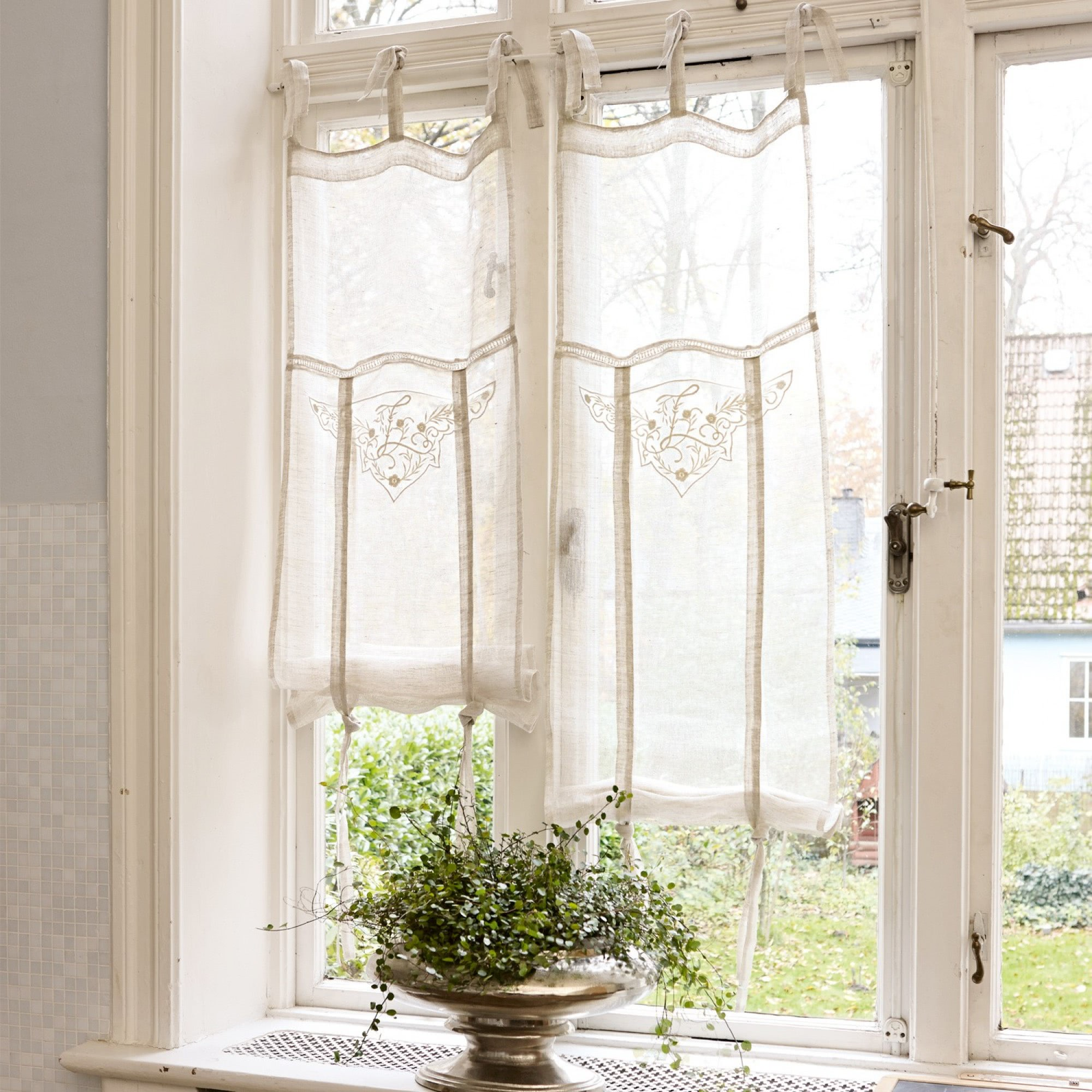 gardine espaon loberon coming home. Black Bedroom Furniture Sets. Home Design Ideas